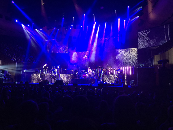 Cutting-edge Music Acts: TDC supplied a creative video package including 7mm LED video wall displays, six Barco projectors and Catalyst media servers for the performances of three headline acts at Vivid Live, including the solo debut of Daniel Johns, singer Sufjan Stevens and Flume.